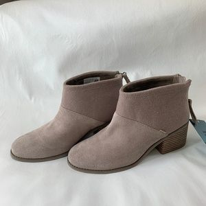 TOMS Lacy Booties